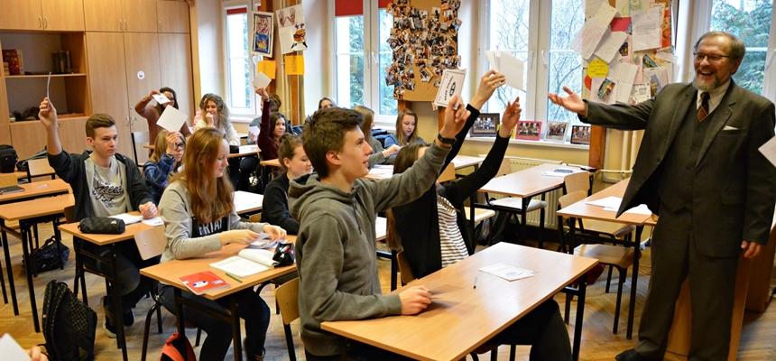 Warsztaty o Kresach Wschodnich w dobie rozwoju przemysłu w VII Liceum Ogólnokształcącym w Warszawie