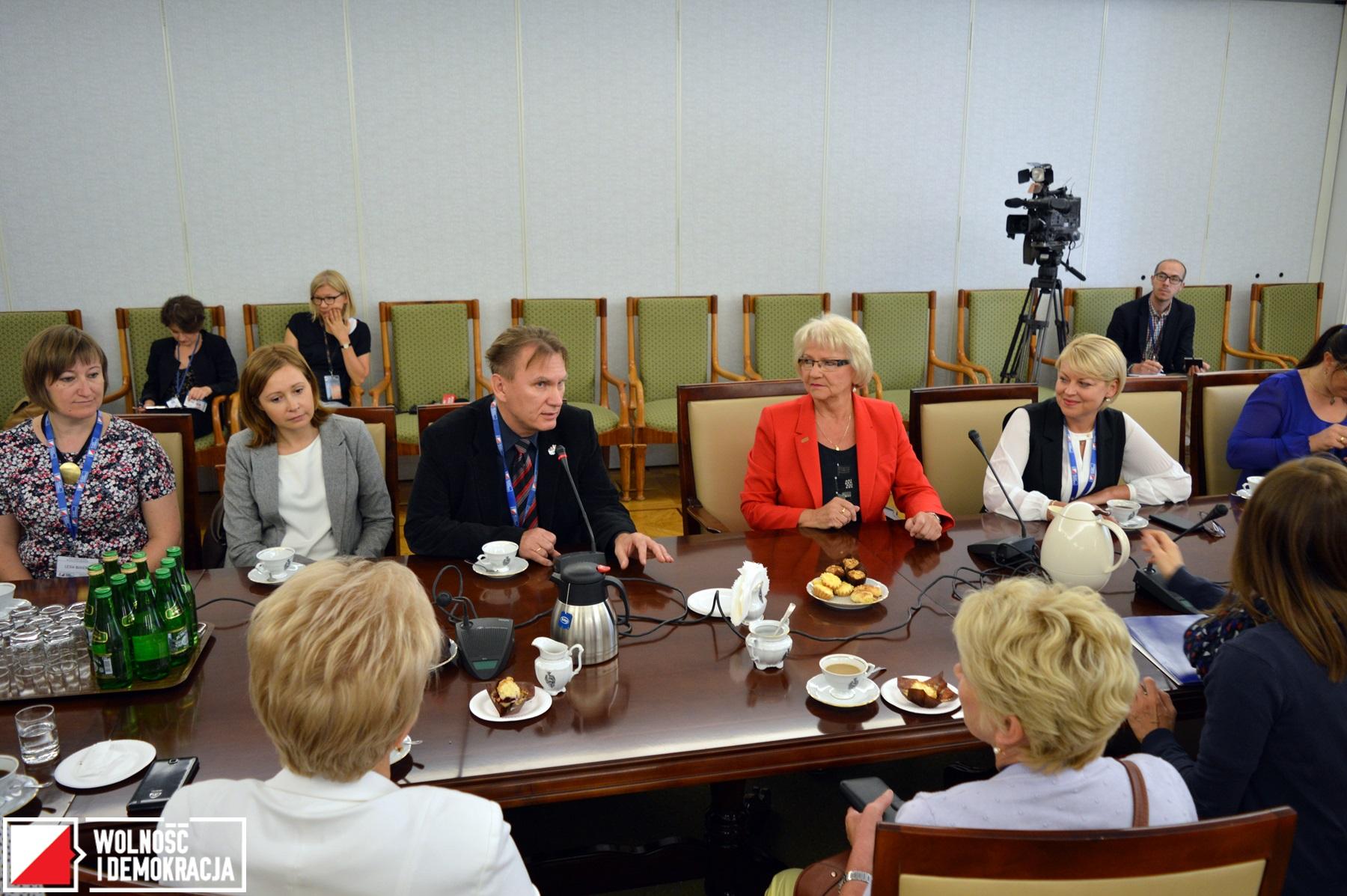 Polscy nauczyciele z Białorusi i Ukrainy w Senacie