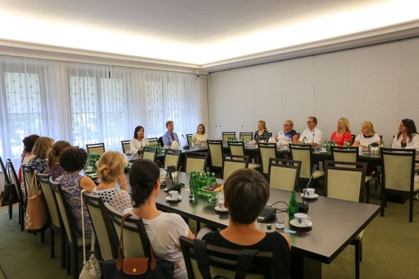 Polscy nauczyciele z Niemiec z wizytą w Senacie