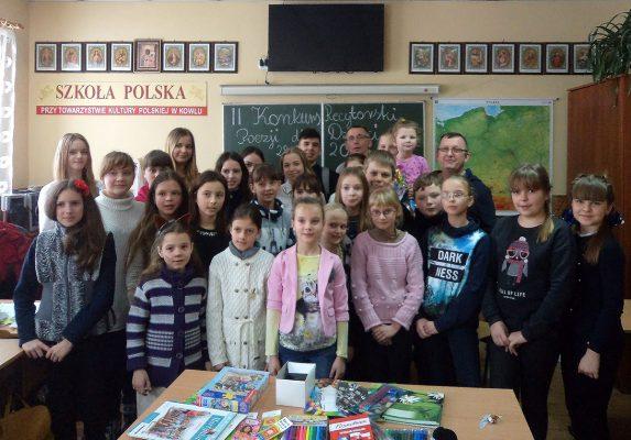 """""""Biega, krzyczy pan Hilary…"""" – dzieci w Kowlu recytują polską poezję"""
